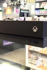 Microsoft Xbox One X  - 1TB - Black - Used