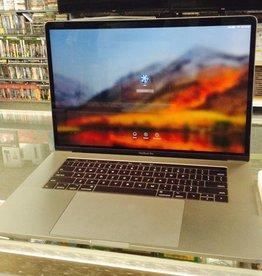 """Apple Macbook Pro - 15"""" Mid 2017 - Intel i7 2.8GHz 16GB Ram 256GB SSD - Retina & Touch Bar"""