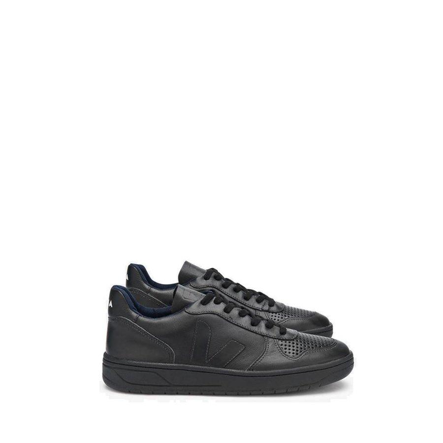 Black-Black Sneaker