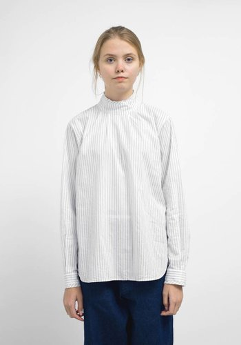 Chimala High Neck Collar Pullshirt