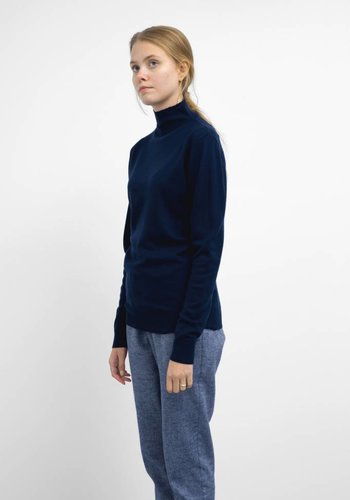 Sunspel Long Sleeve Funnel Neck Sweater