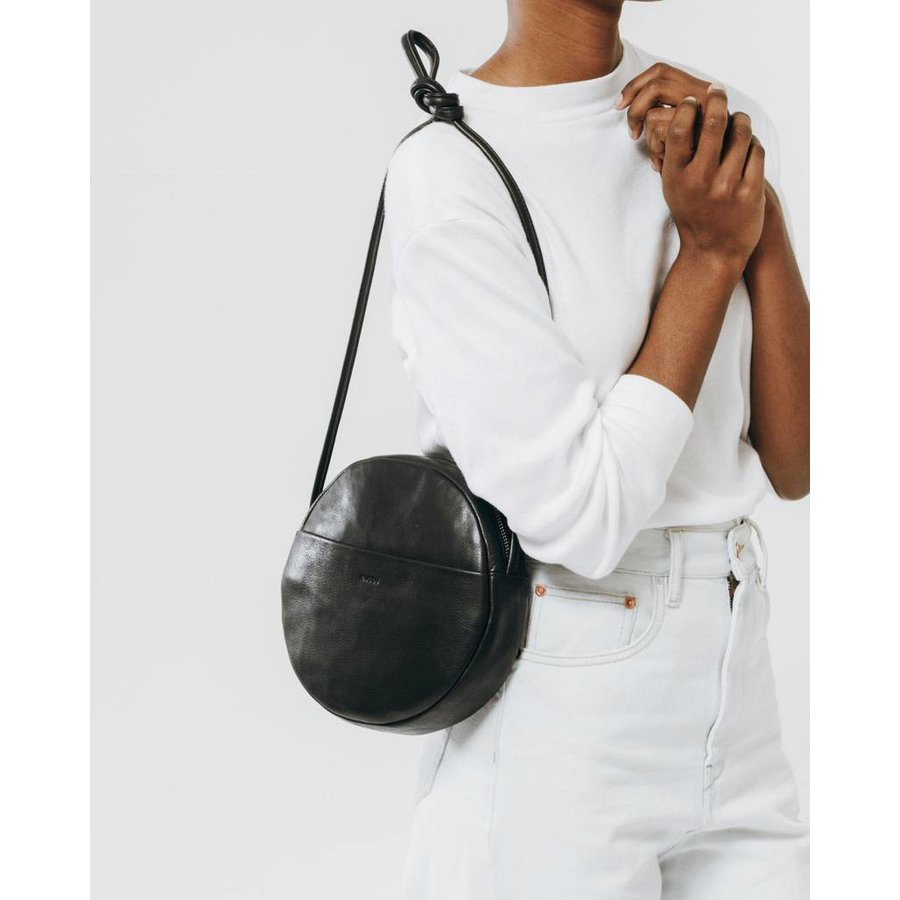 Leather Circle Zipper Purse