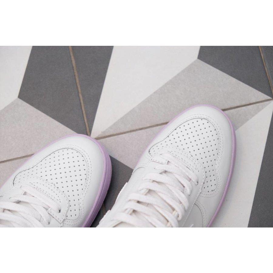 V-10 Leather Sneaker