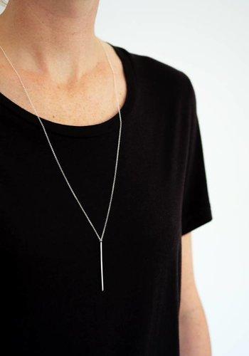 Kara Yoo Amora Bar Necklace