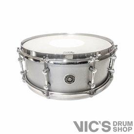 Gretsch Gretsch Brooklyn Tube Lug 5.5x14 Snare Drum in Nitrocellulose Silver Mist