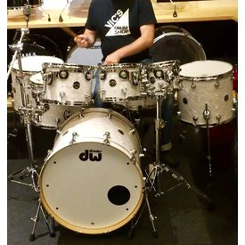 Used Used DW Performance 8 Piece Shell Pack in White Marine Pearl