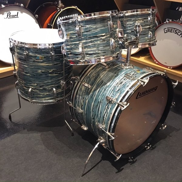 Vintage Ludwig 1972 Big Beat 4 Piece Shell Pack in Oyster Blue Pearl