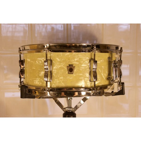 WFL Vintage 1940s  5.5x14 Snare Drum, White Marine Pearl