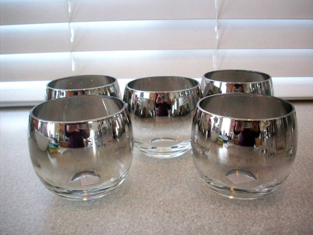 Vintage Dorothy Thorpe Silver Fade Lusterware Roly Poly Glasses Set of 5