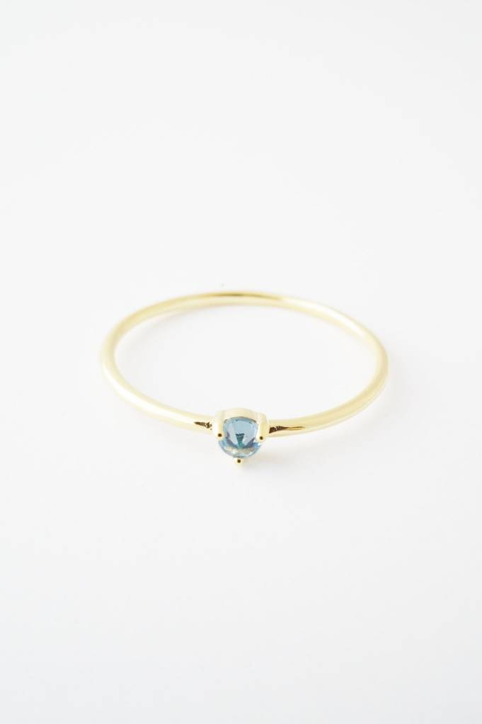 Honeycat Aquamarine (size 6.5) Crystal Point Solitaire Ring - Gold