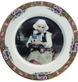 """Girl and R2-D2 Portrait Plate 7.5"""""""