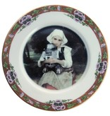 """Beat Up Creations BeatUp Creations Girl and R2-D2 Portrait Plate 7.5"""""""
