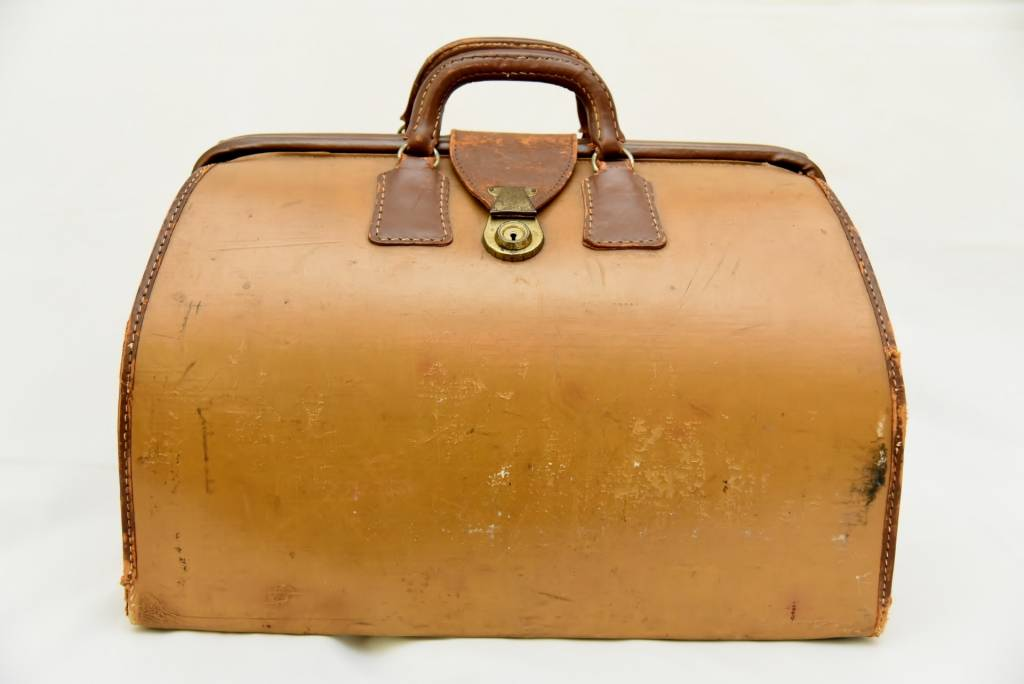 Vintage LEATHER WEEKENDER/ DOCTORS BAG