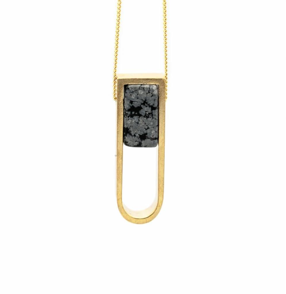 "Mana Made Jewelry Mana Made Obsidian Stone Horseshoe Necklace | 28"""