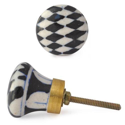 Knob- Blk White Checkerboard