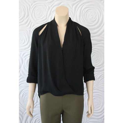 Go Silk Go Silk Long Sleeve Blouse With V-Neck And Slits On The Shoulder