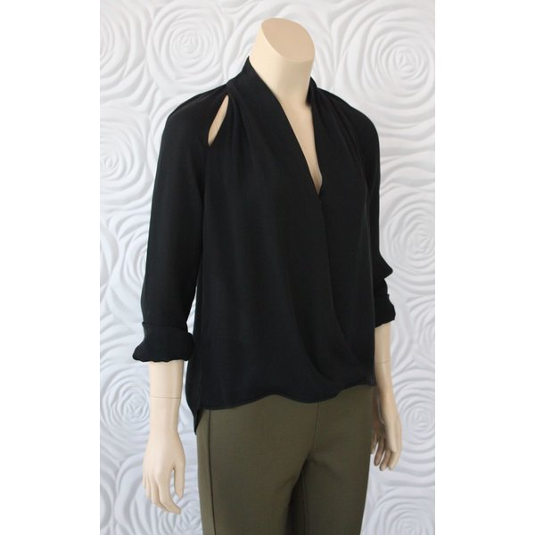 Go Silk Long Sleeve Blouse With V-Neck And Slits On The Shoulder