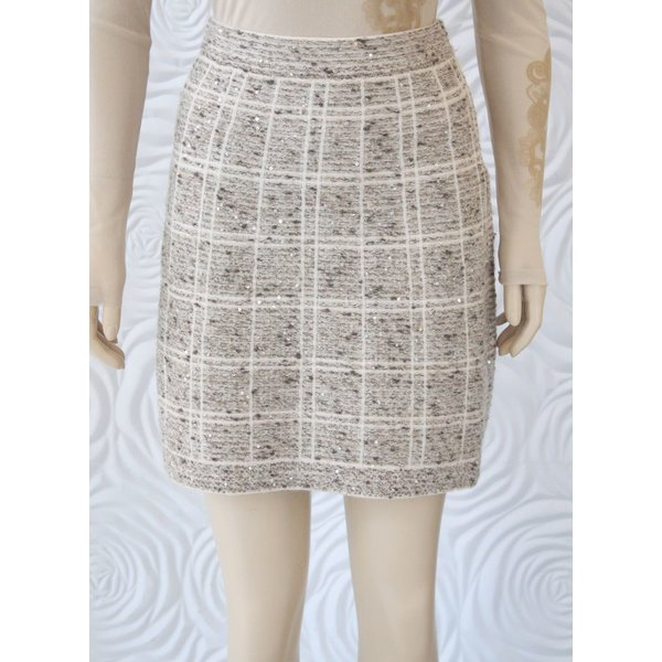 D Exterior Tweed Skirt with Slight Sequin Detail