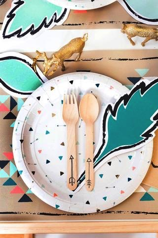 Plate Modern Camp - Triangle & Arrow Large Party Plates