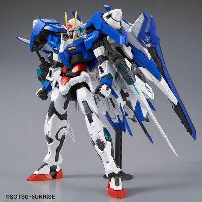 BAN - Bandai Gundam 218506 00 XN Raiser Master Grade