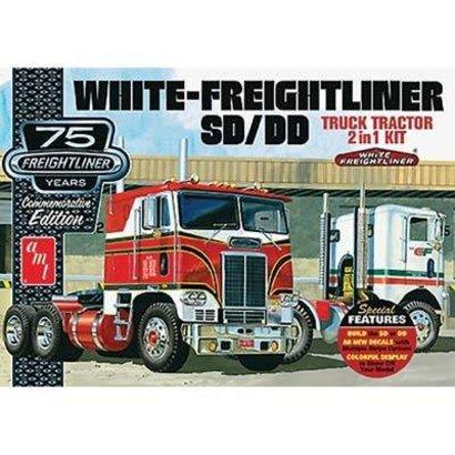 AMT - AMT Models AMT1046/06 1/25 White Freightliner 2-in-1 SC/DD Cabover 75th