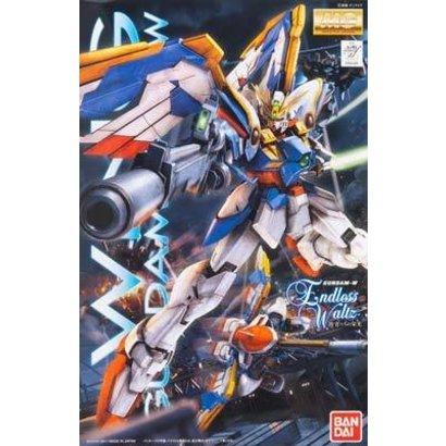 BAN - Bandai Gundam 169489 1/100 MG Wing Gundam EW Ver.