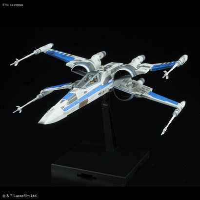 "BAN - Bandai Gundam 223296 Blue Squadron Resistance X-Wing Fighter ""Star Wars: The Last Jedi"", Bandai Star Wars 1/72 Plastic Model"