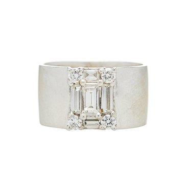 White Baguette Diamond 18K White Gold Clarity Cigar Band