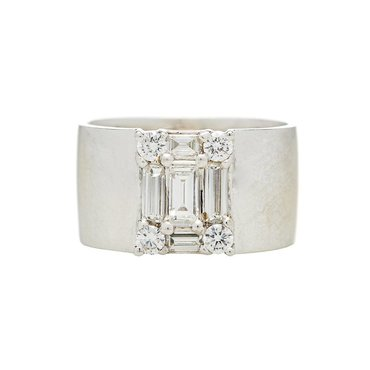 White Baguette Diamond 18K White Gold Clarity Cigar Band