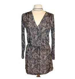 Veronica M Veronica M L/S Surplice Mini Dress Blk/Crm