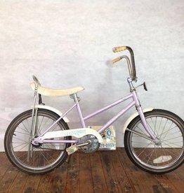 """Schwinn Starlet 18"""" Banana Seat Kids Bike"""