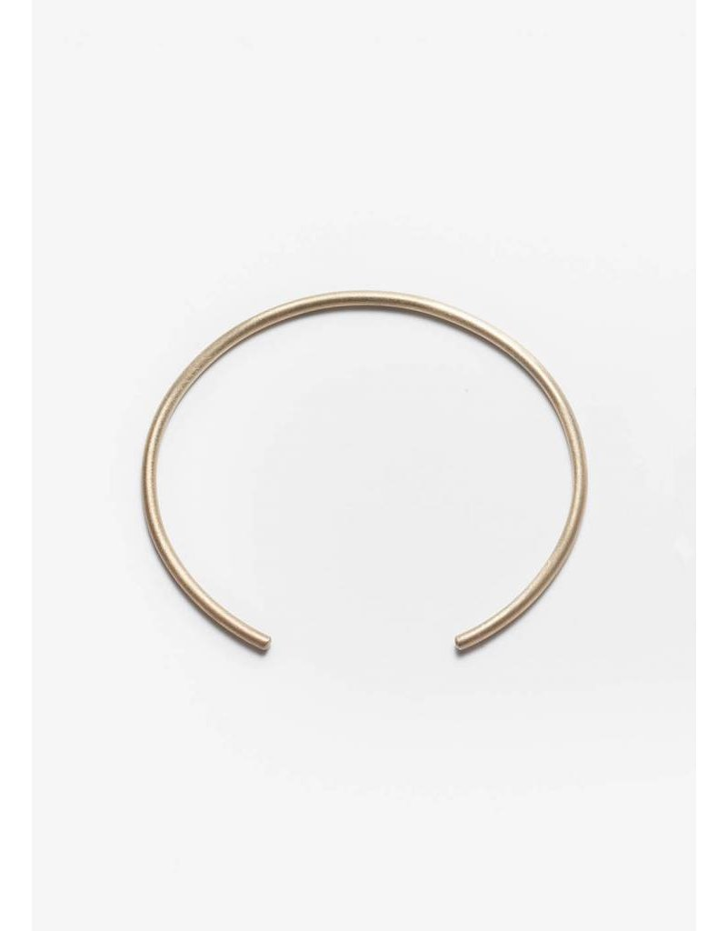 PILAR AGUECI FINE ROUND BANGLE GOLD