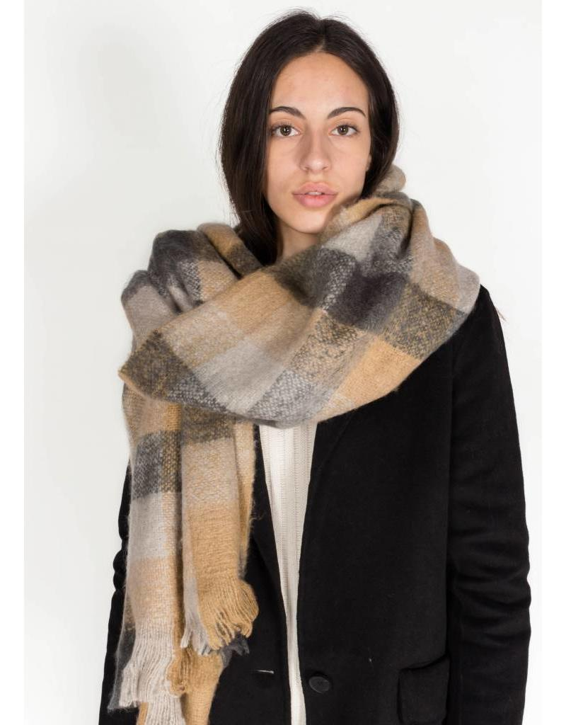 BIG CHECKED SCARF