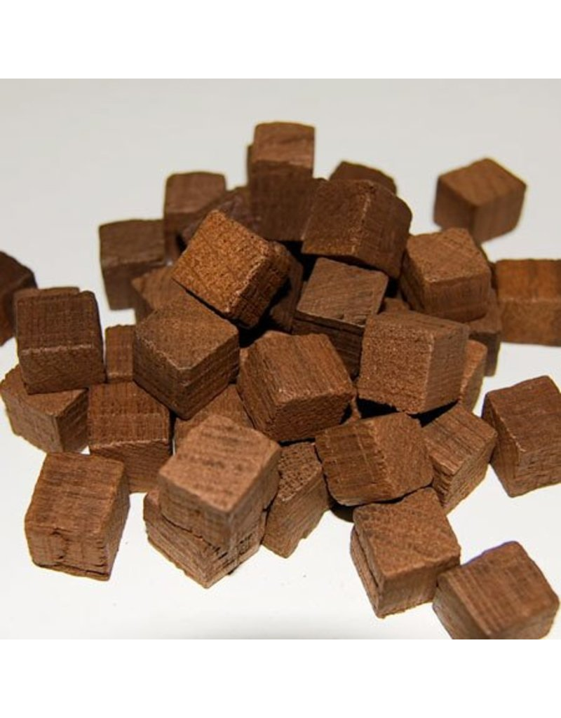 3oz Medium Toast Oak Cubes Hungarian