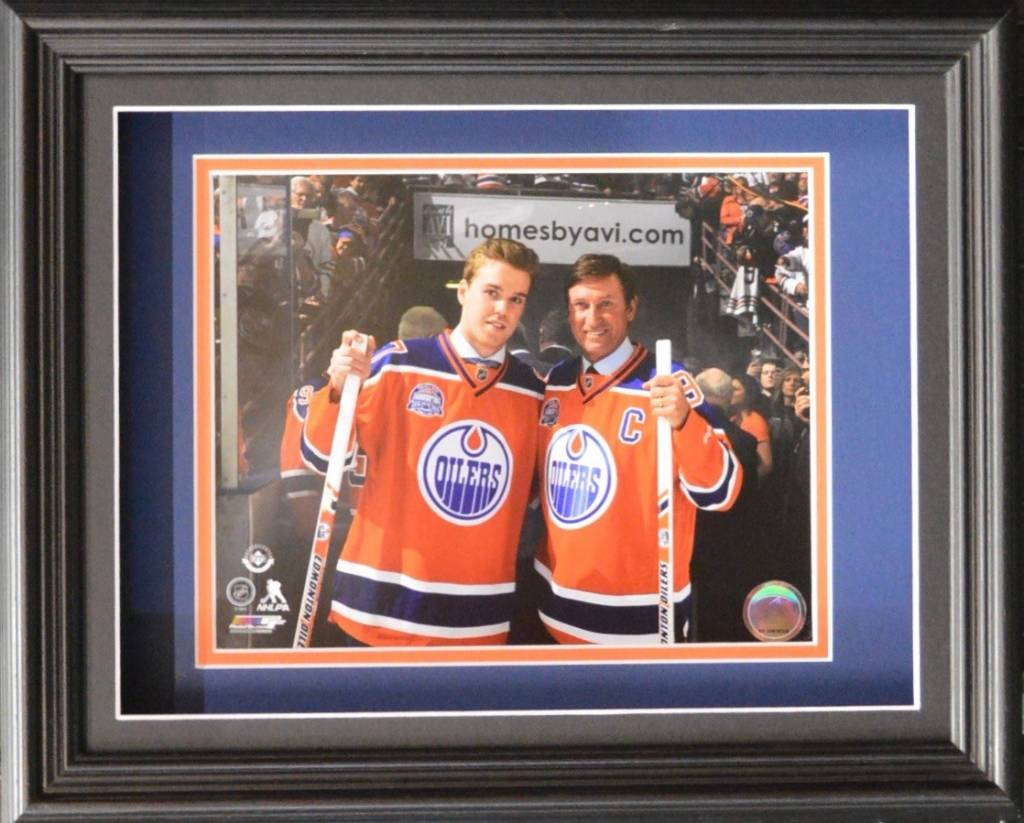 "CONNOR MCDAVID & WAYNE GRETZKY 11X14 SHADOW BOX - EDMONTON OILERS ""REXALL PLACE FINAL GAME"""