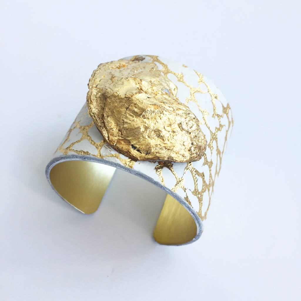 """2"""" Oyster Cuff- White Speckled"""