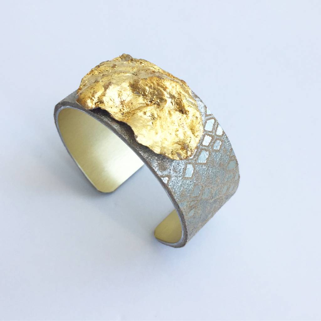 """1"""" Oyster Cuff -Silver/Gold Snake"""