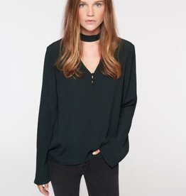 Raven Choker Meadow Green