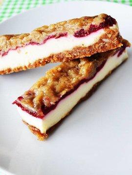 Gâteaux au fromage, framboises & caramel