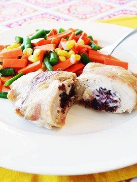 Poitrine de poulet farcie canneberges & bacon
