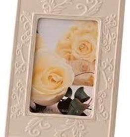 Belleek Willow 6 x 4 Frame in Ivory