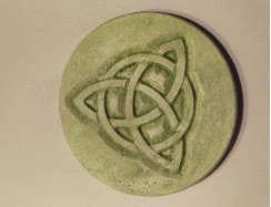 Green Earth Art Company Celtic Knot Wall Hanging