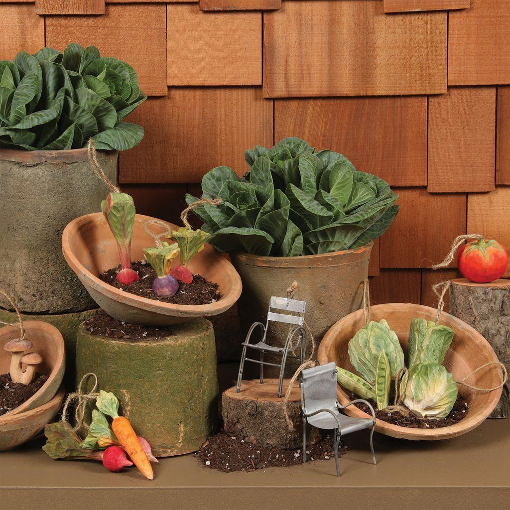HomArt Carved Wood Vegetable Ornament - Pea Pod