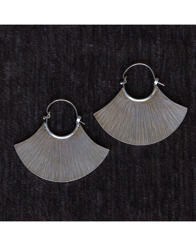 OraTen Silver Earrings, Fan