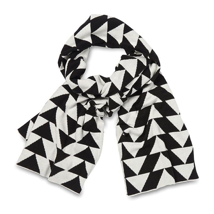 Australia Arrow Cotton Knit Scarf Black/White