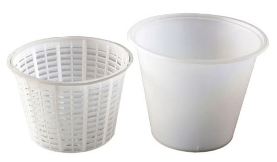 Australia Mad Millie Small Ricotta Container & Basket