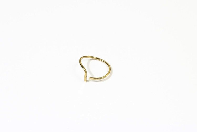 USA Hammered L Ring Gold size 6