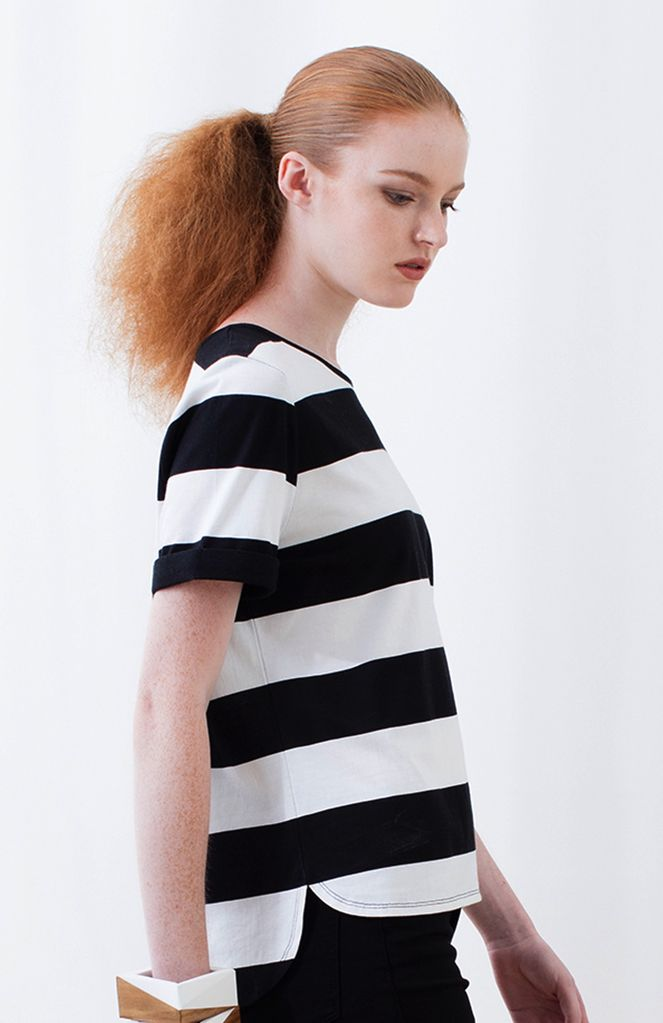 Australia XS Black/Wh Block Striped Tee