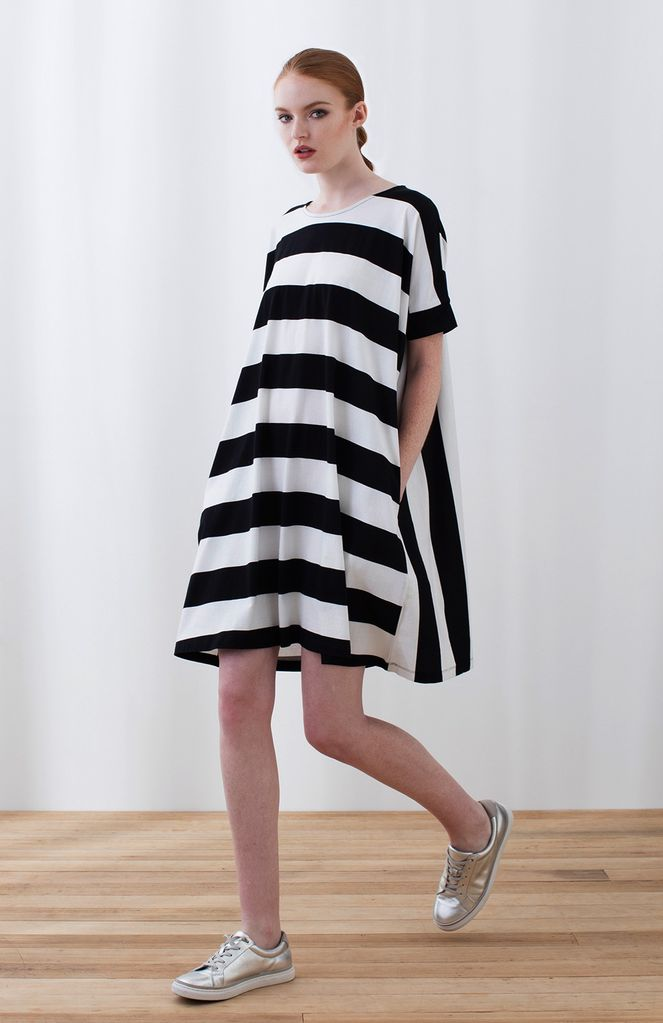 Australia M Black/White Block Stripe Dress