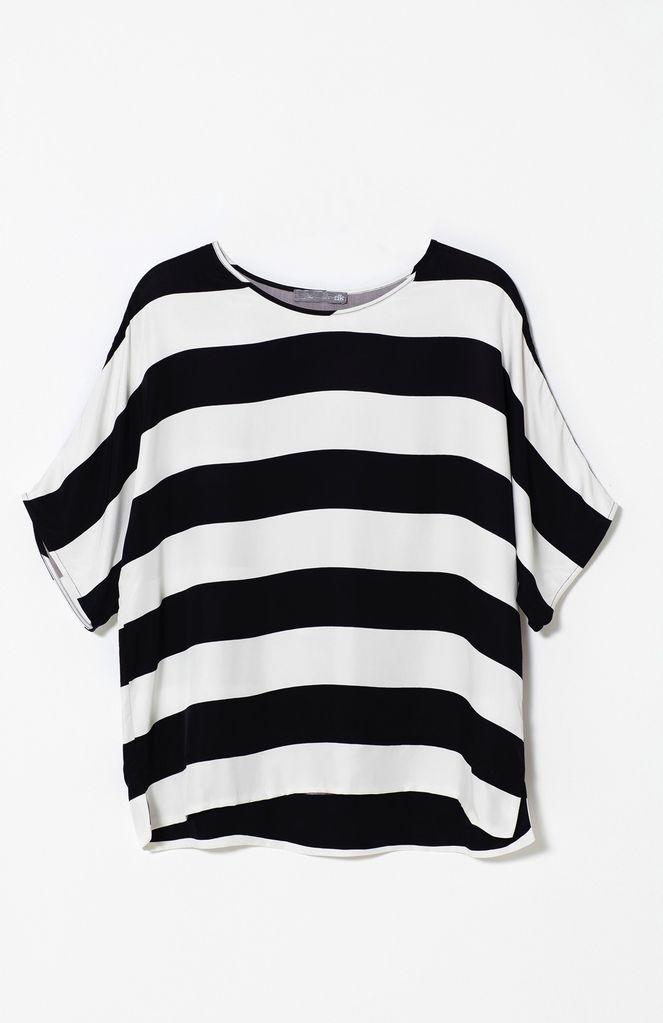 Australia M Black/White Loose Fit Top